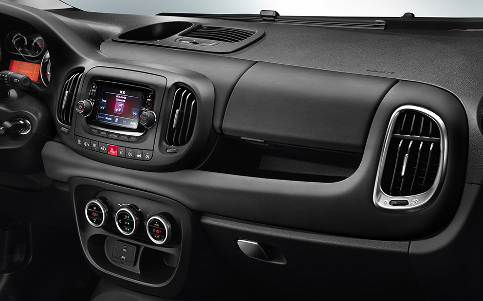 Fiat 500l living interni fiat for Fiat 500 x interieur